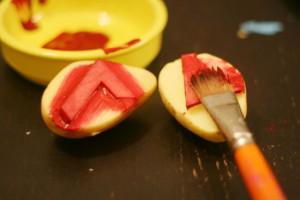 fête anniversaire 7 ans tampons pomme de terre
