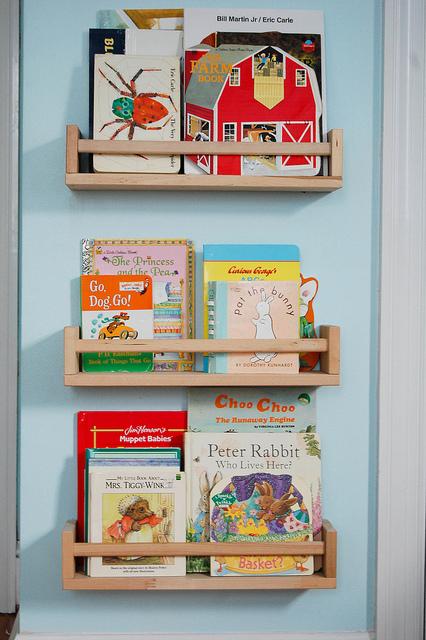 étagères à épices livres pour enfants Ikea Hackers