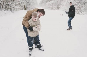 photos famille neige calins