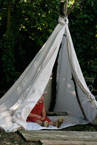 tipi cabane pour enfants bricolée