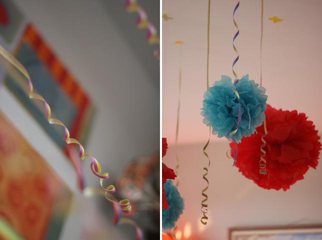 Anniversaire multicolore gourmand déco DIY pompons