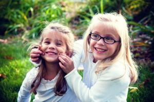 soeurs jeu sourire