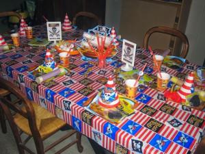 déco de table anniversaire pirates