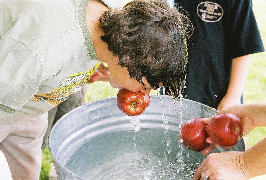 la pêche aux pommes
