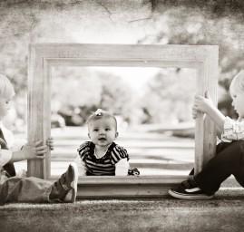 photos enfants et cadre, 2 garçons un bébé fille