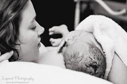 photo de naissance rencontre avec bébé
