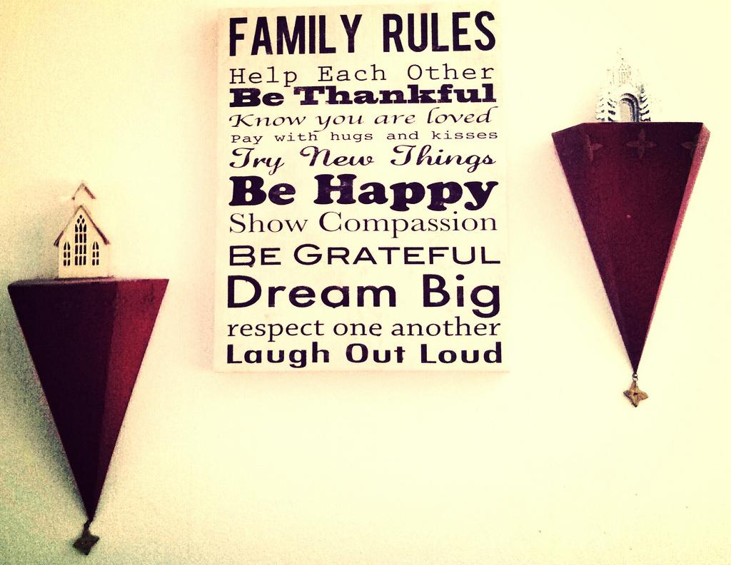 règlement de famille affiché comme un tableau
