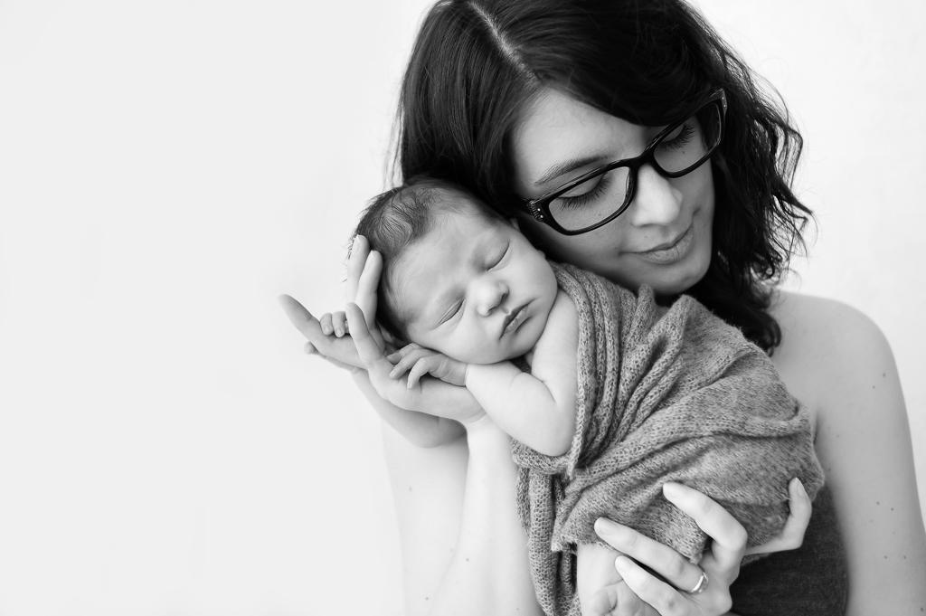 séance photo nouveau-né maman