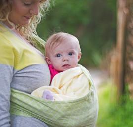 Écharpe de portage et bébé