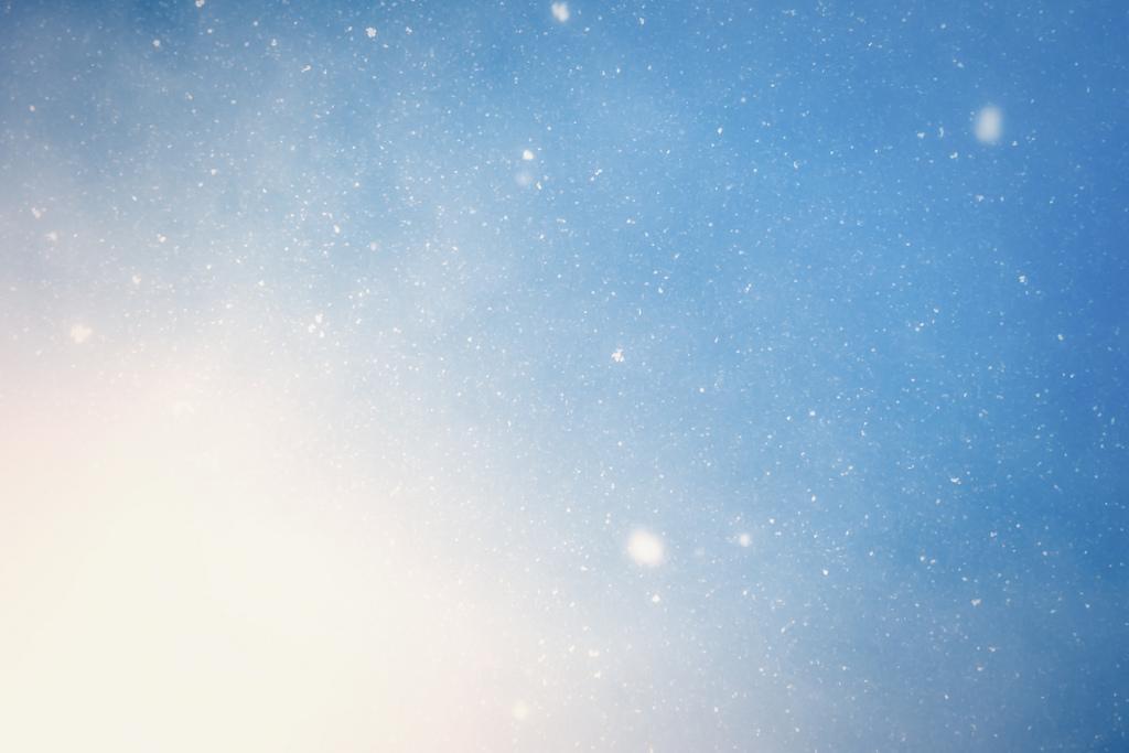 Neige dans le ciel