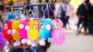 poupées colorées