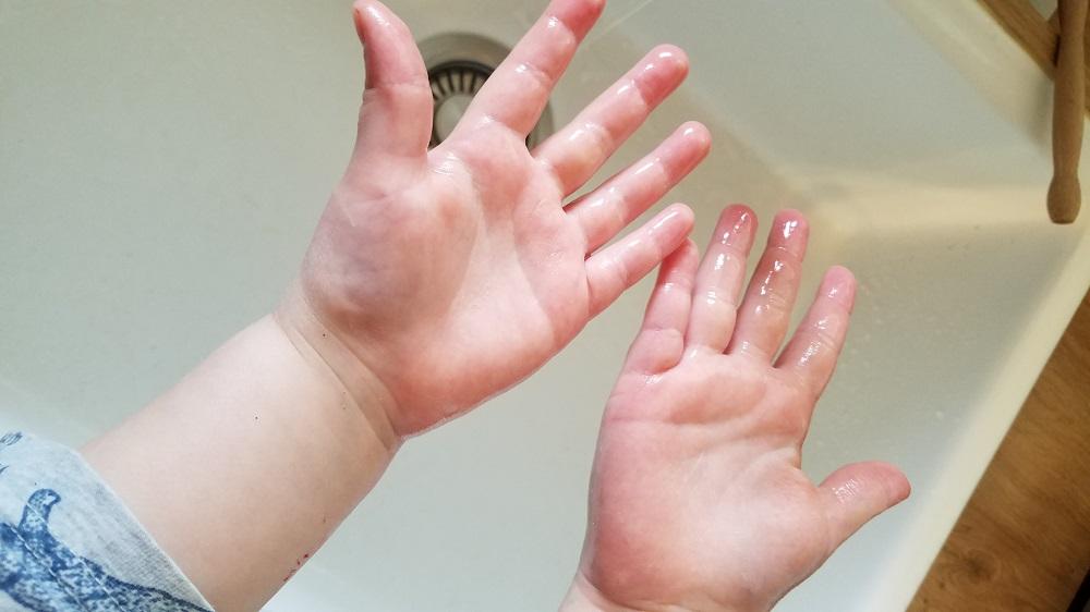 Épidémie de coronavirus : comment apprendre à nos enfants à bien se laver les mains pour éviter une contamination !